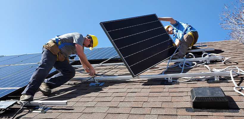 4 Factors To Consider Before Installing Rooftop Solar Panels